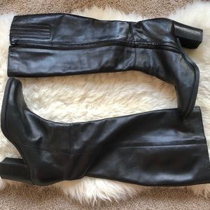 bc588fb16e0 Lord   Taylor Shoes - Lord and Taylor 8.5 leather black heeled boots